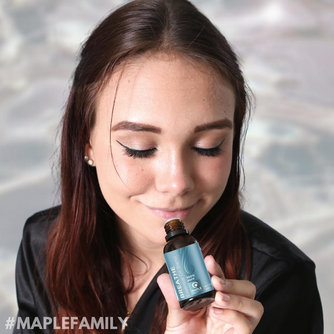 Taking a deep breath never felt this good🙌🙌 Check out our #MapleFamily 📸 using one of our favorite 100% pure blends to get a minty-fresh boost the natural way🍃🍃 Link in bio💞  * * * #breathe #justbreathe #breatheinbreatheout #cantbreathe #breather #essentialoils #pureessentialoils #naturalliving #oilylife #essentialoilblends #essentialoilblend #oilblends